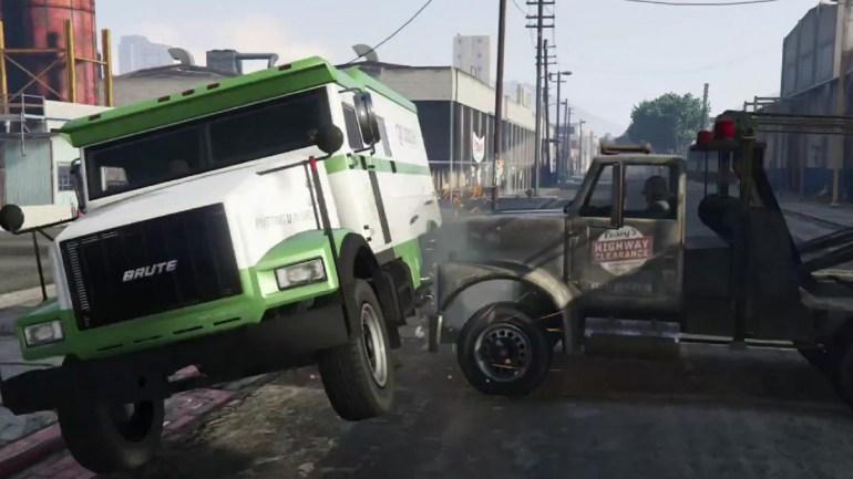 Машина переворачивается от удара